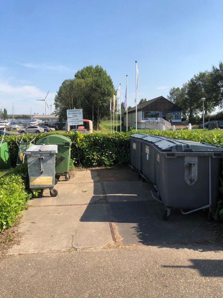 De afval plek van Jachthaven Waterkant, de miliuestraat.